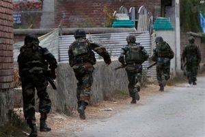 जम्मू्-कश्मीर में सुरक्षाबलों के साथ मुठभेड़ में एक आतंकवादी ढेर