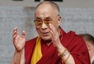 मणिपुर की पहली यात्रा पर पहुंचे दलाई लामा